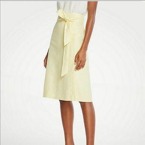 NWT Ann Taylor Light Yellow Wrap Tie Skirt sz 10